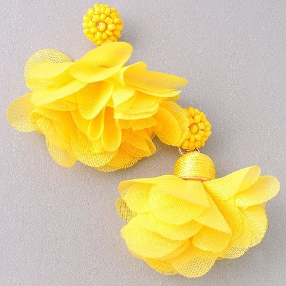Tatiana yellow flower stud earrings poshmark m5a60274b5512fd46aa4e4f21 mightylinksfo